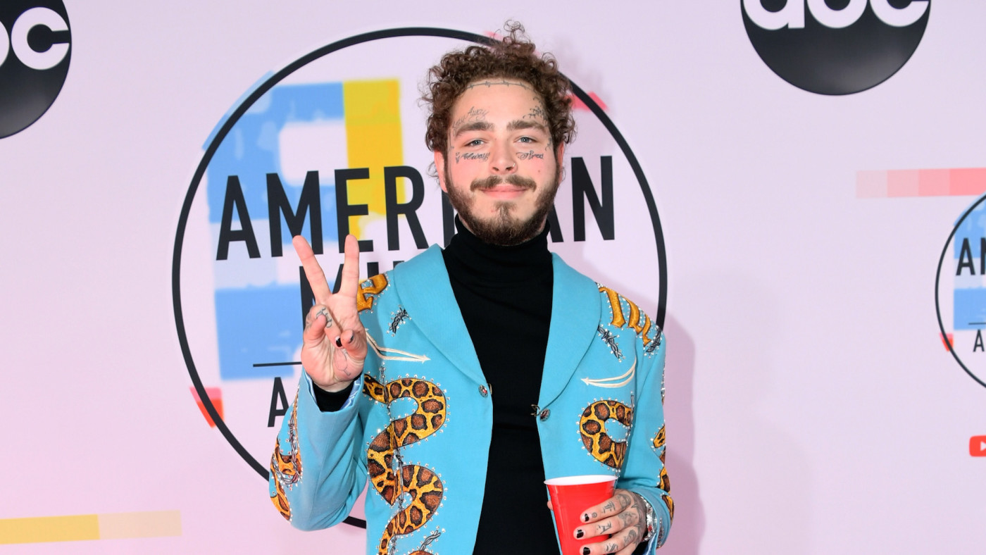 Post Malone attends the 2018 American Music Awards at Microsoft Theate