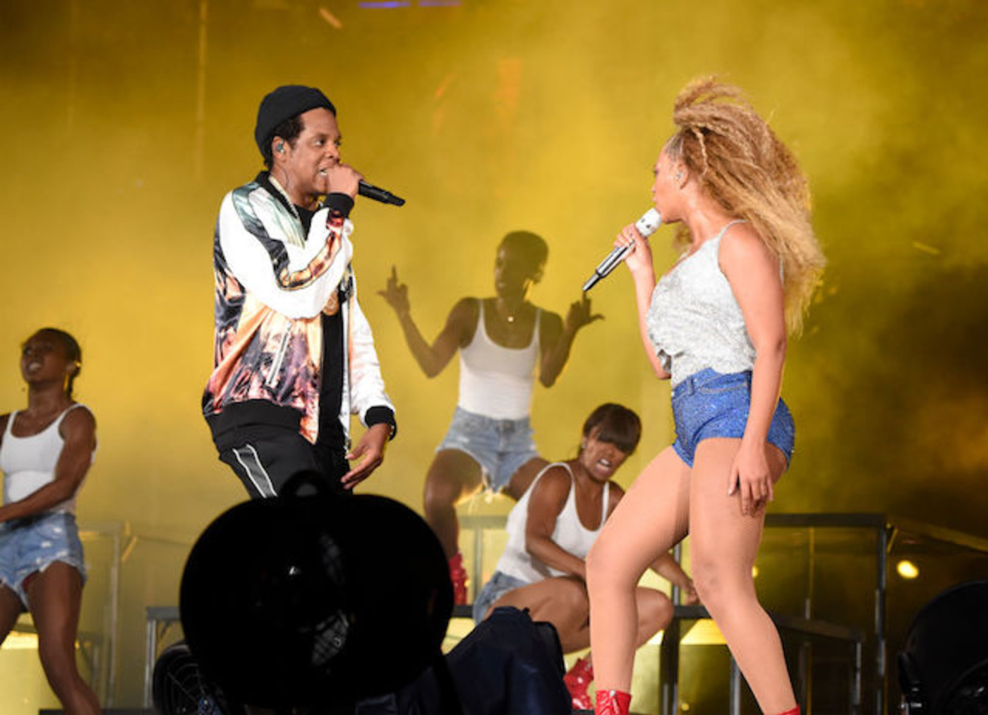 This is a picture of Beyonce and Jay Z.