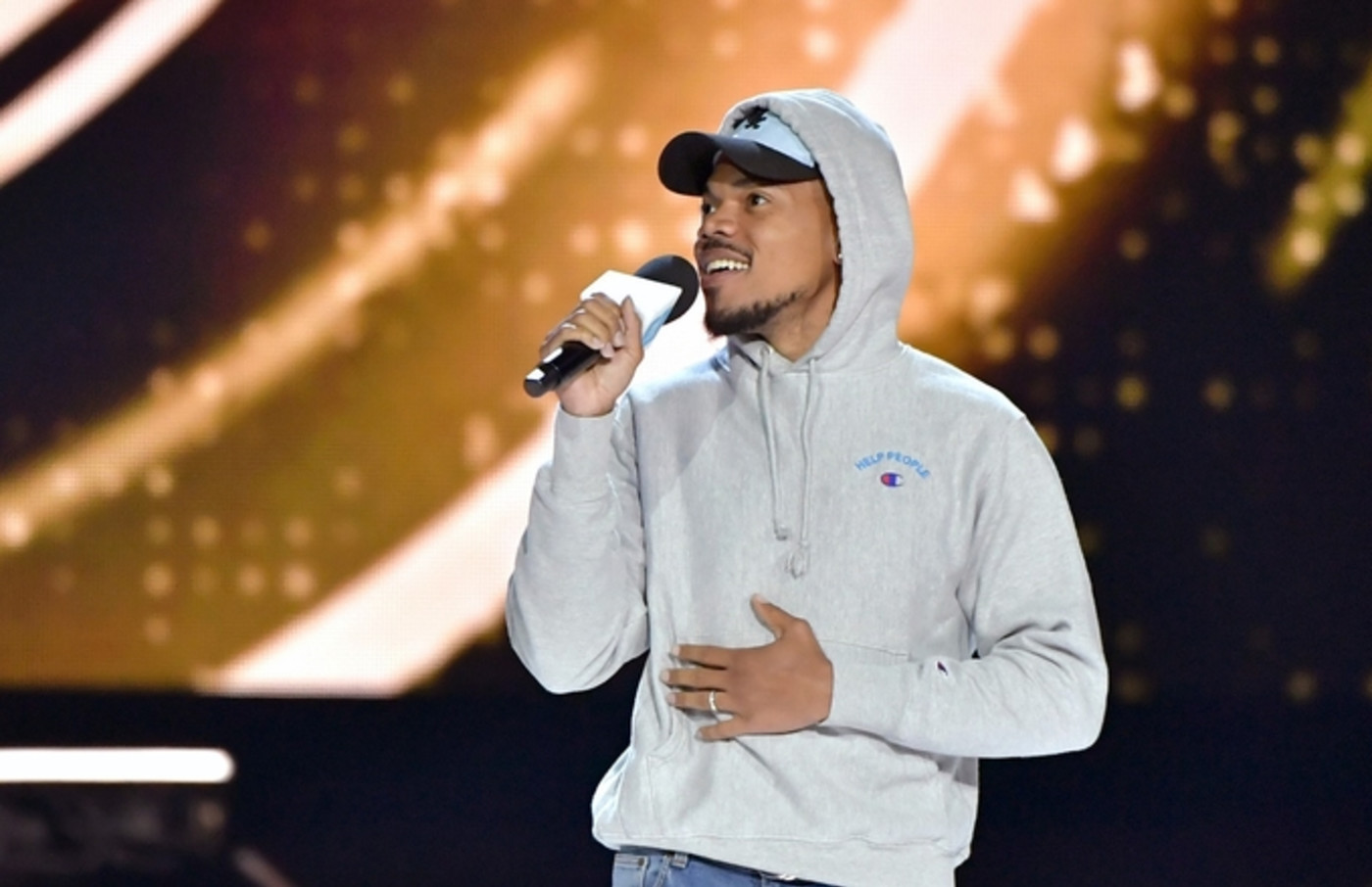 chance-the-rapper-microphone-hoddie