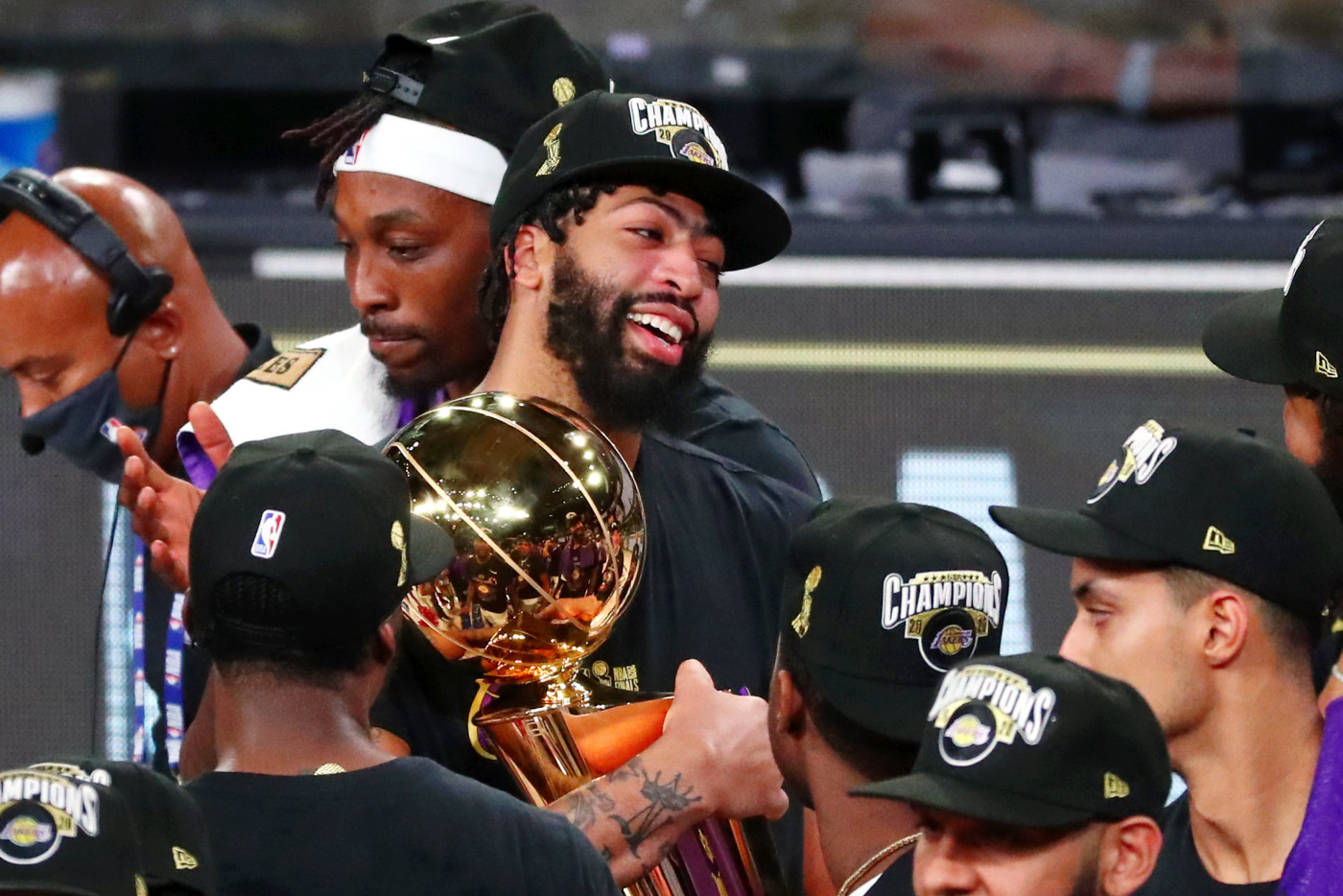 Anthony Davis Lakers Heat Game 6 2020 Trophy