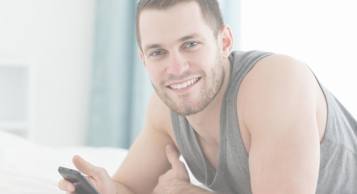 guy-texting