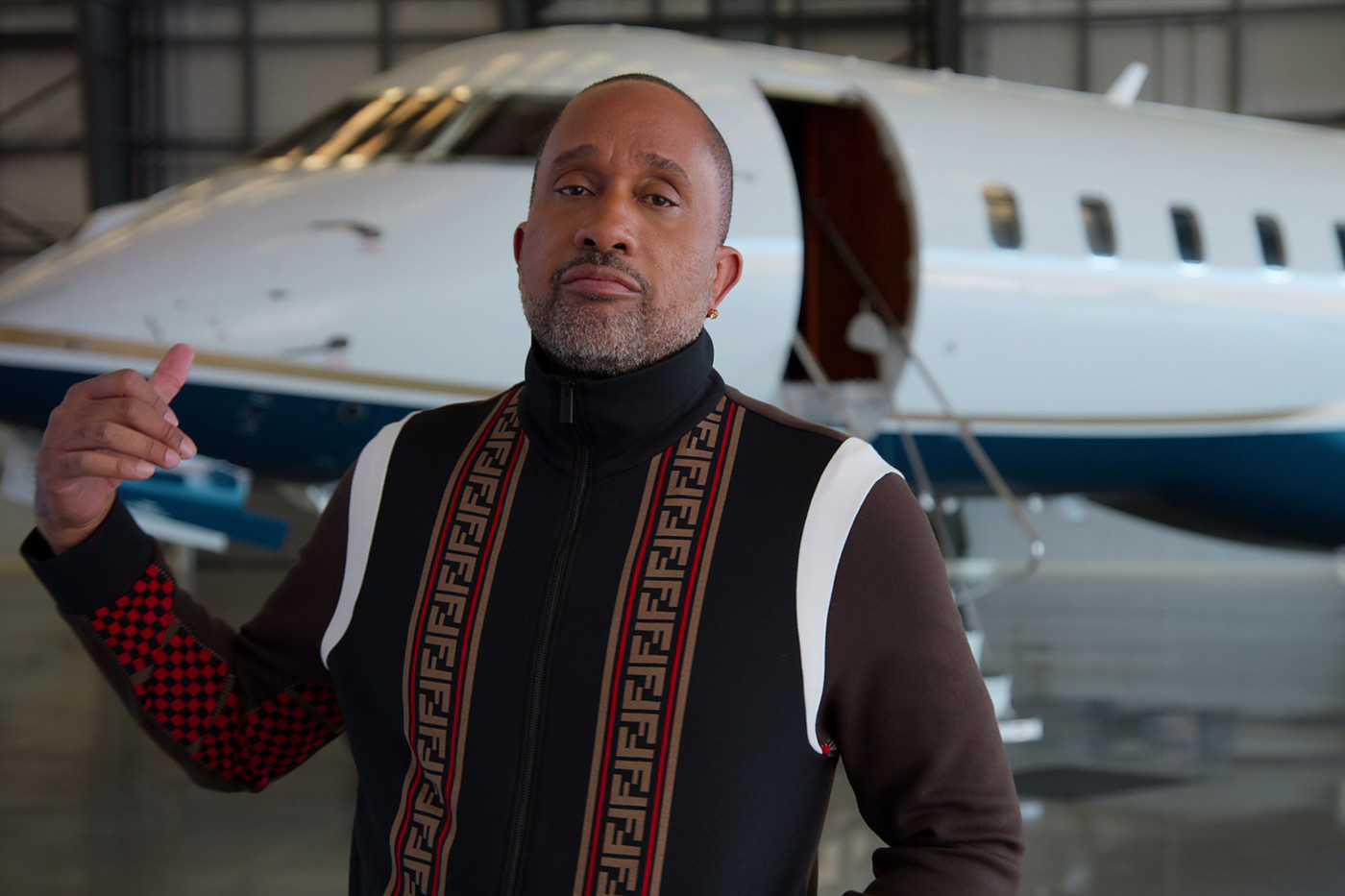 The Story Behind Kenya Barris' Flossy Wardrobe on Netflix's ...
