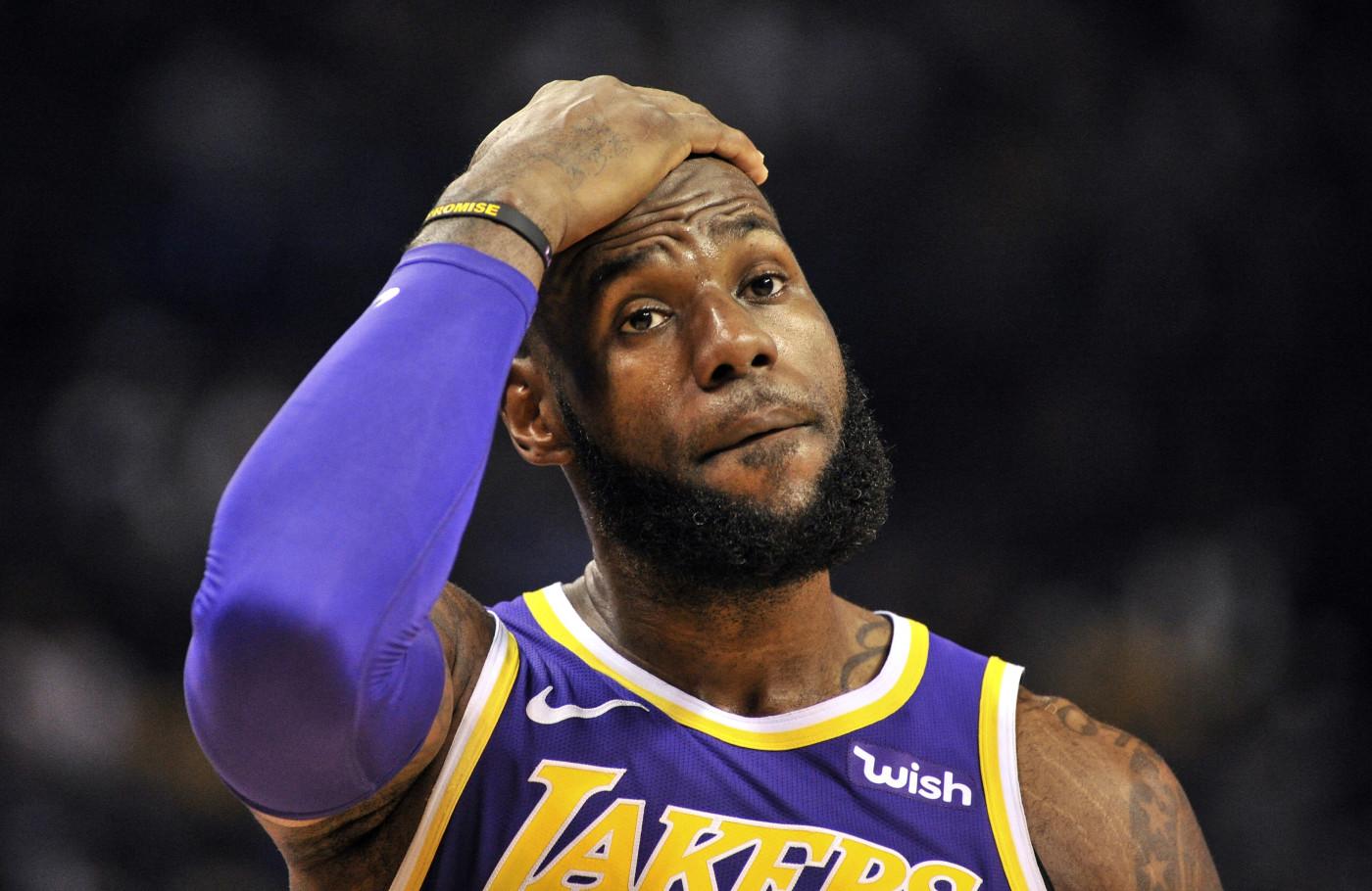 LeBron James Grizzlies Lakers 2019