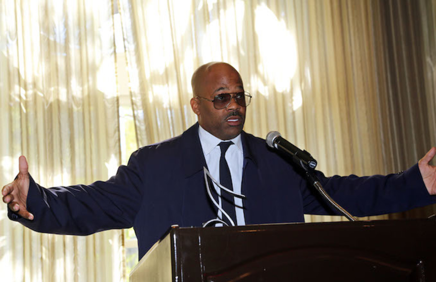 Damon Dash speaks at The 2015 Grammy Awards.