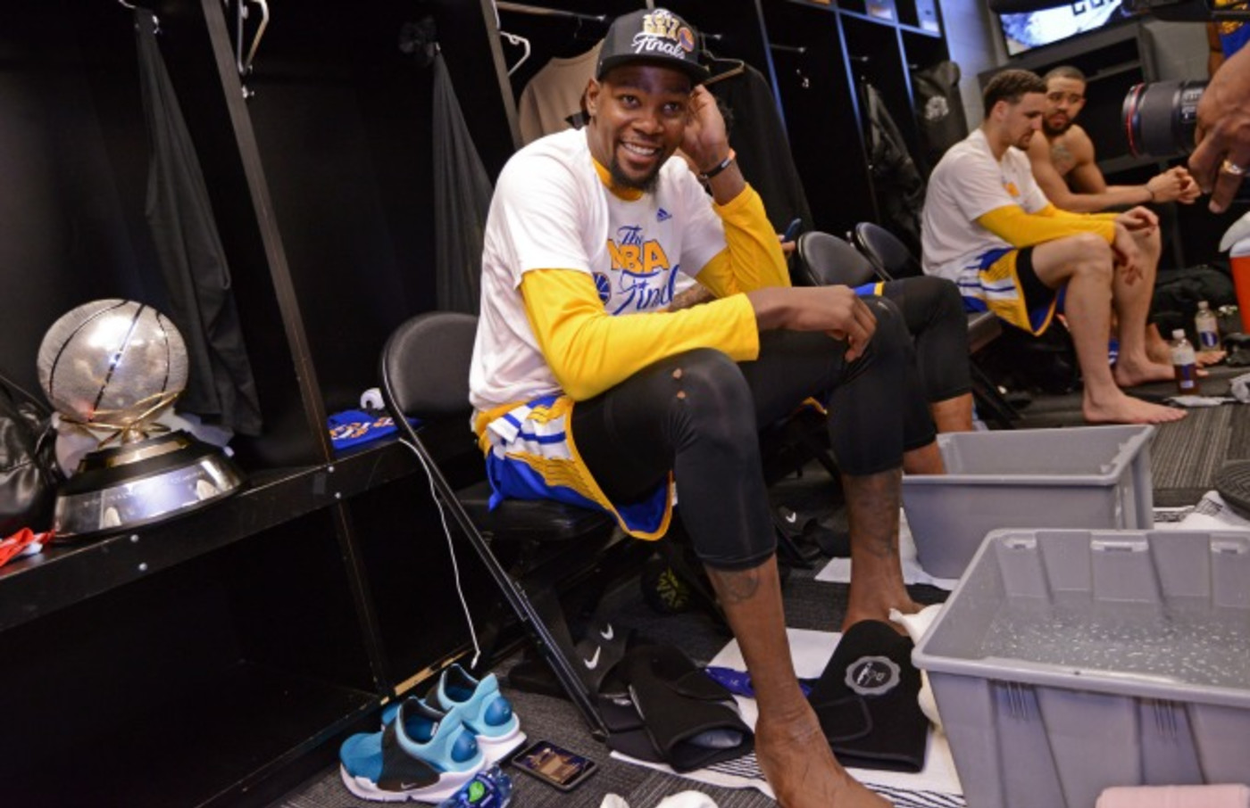Kevin Durant celebrates the Warriors' Western Conference Finals win.