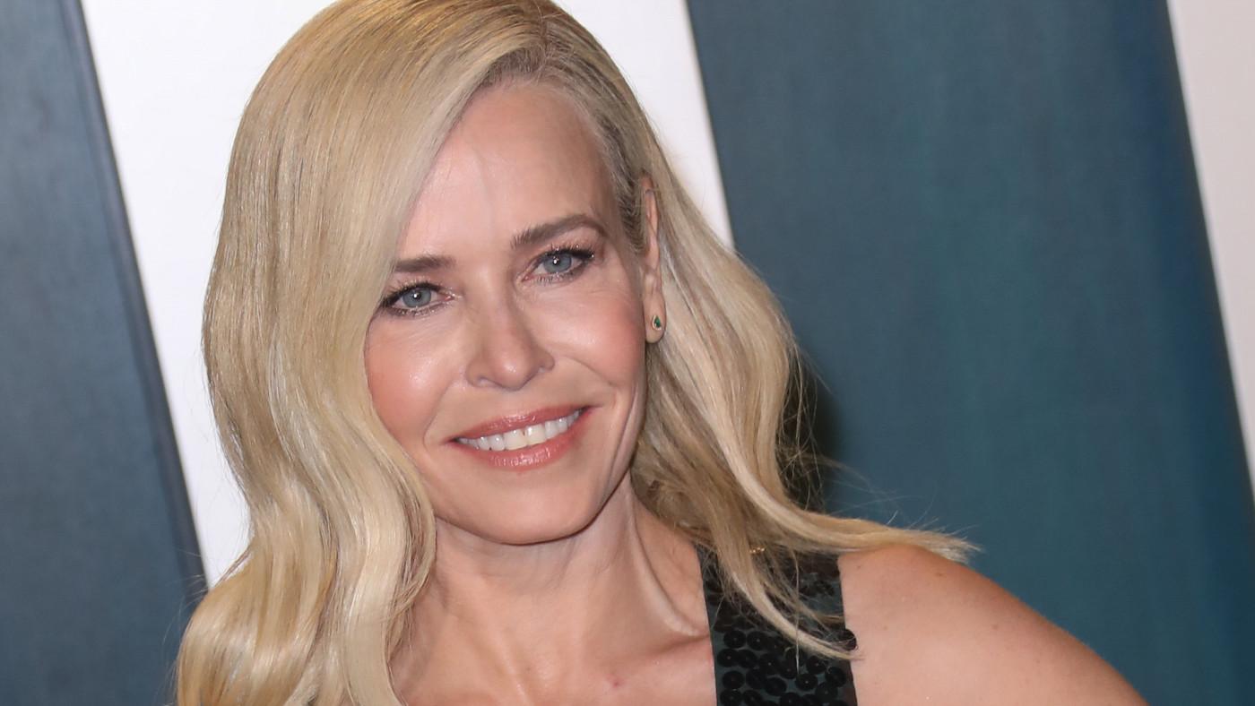 Chelsea Handler attends the 2020 Vanity Fair Oscar Party at Wallis Annenberg Center