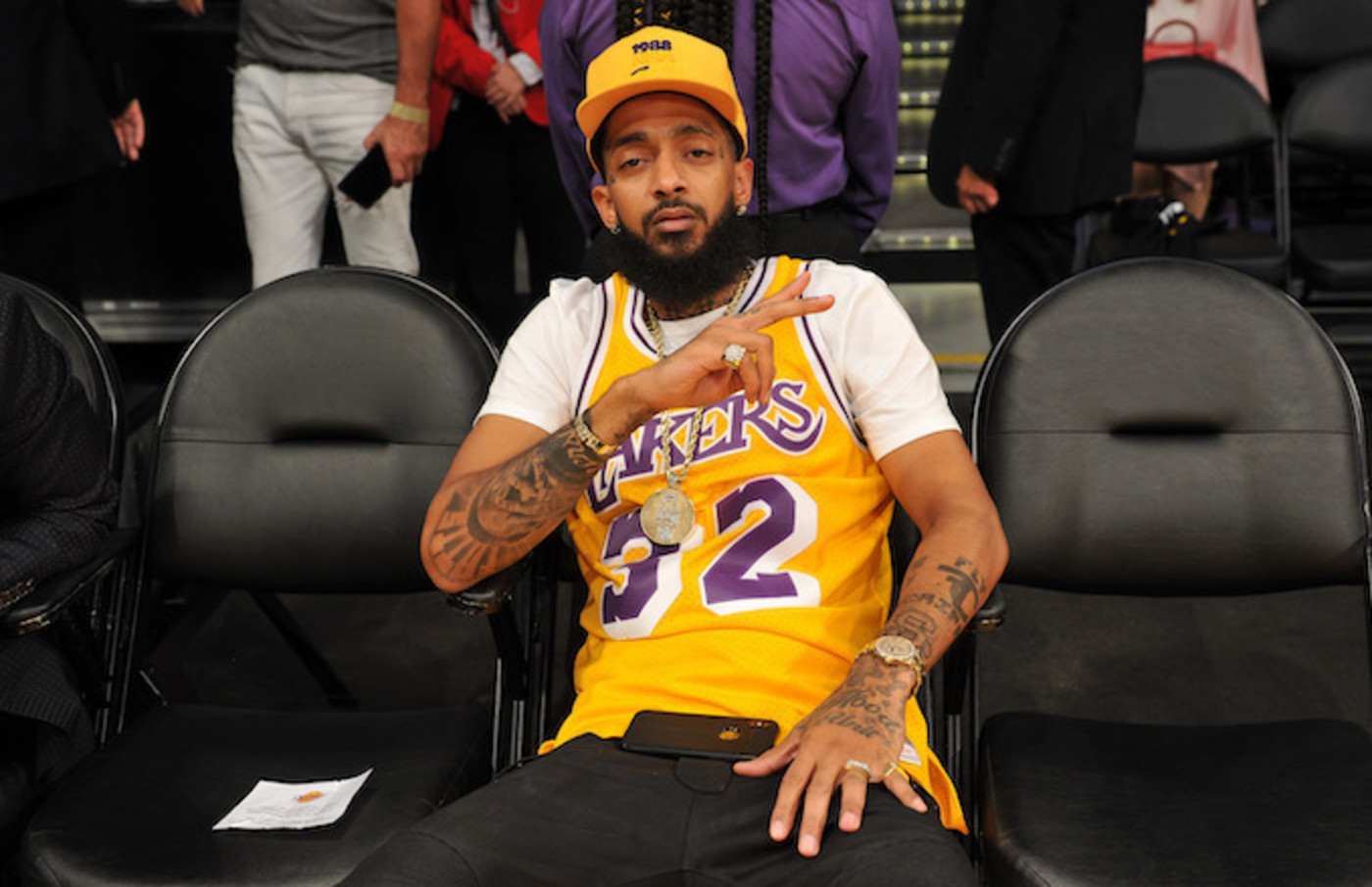 nipsey-hussle-tribute-lakers-game