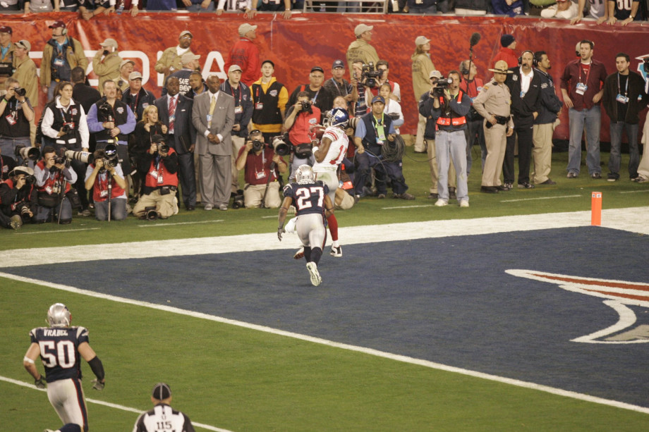 Plaxico Buress makes the game winning touchdown at Super Bowl XLII