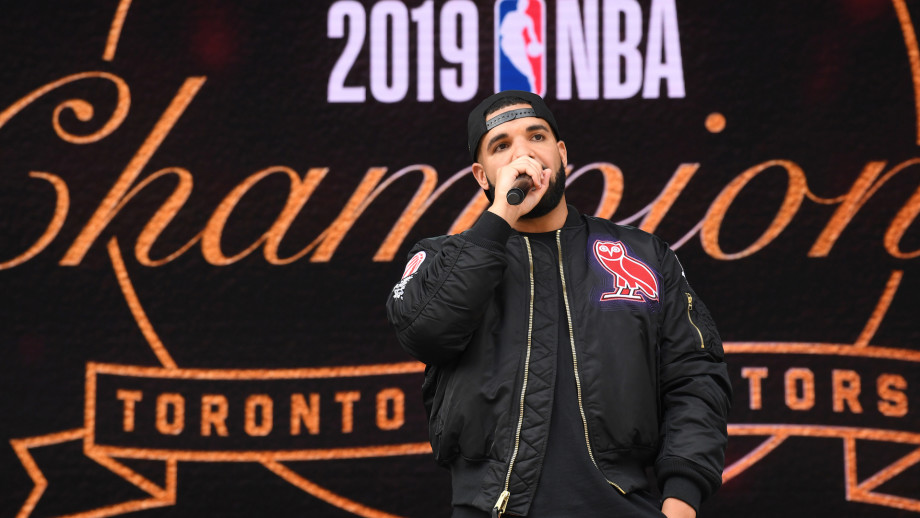 Drake makes an announcement during the Toronto Raptors Championship Victory Parade.