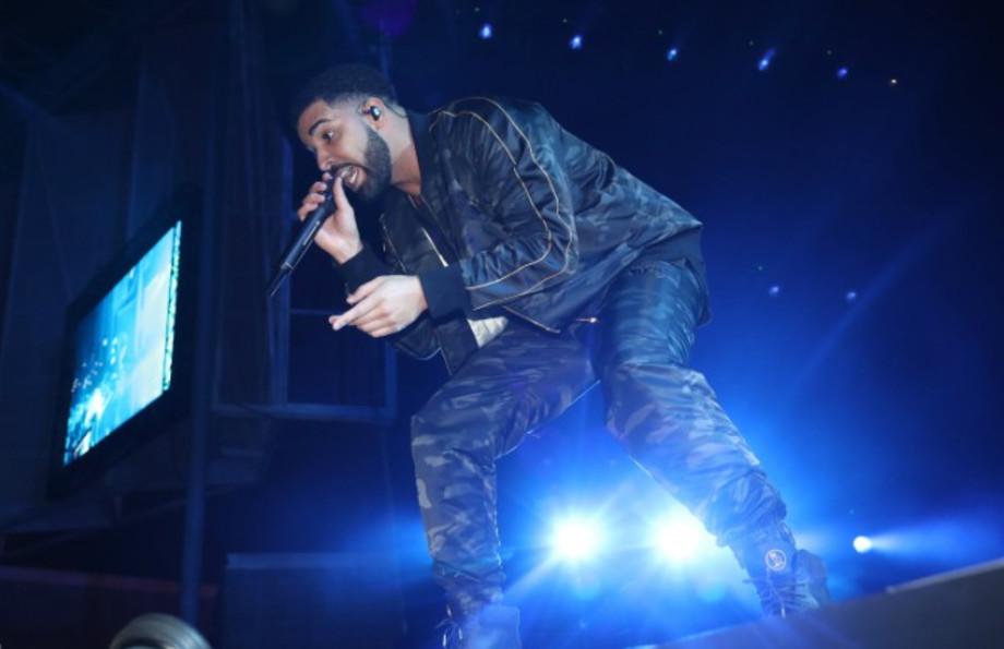 Drake performing.