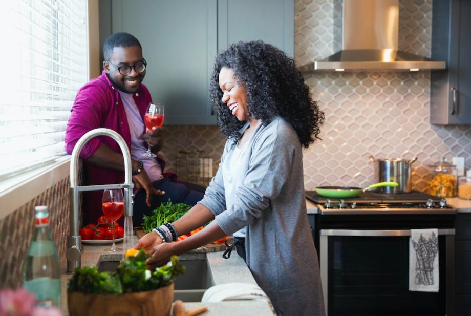 best-date-night-ideas-kitchen-play-food
