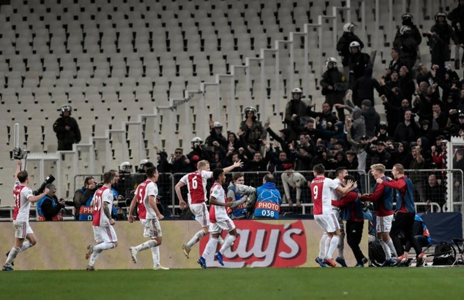 soccer-ajax-aek-champions-league