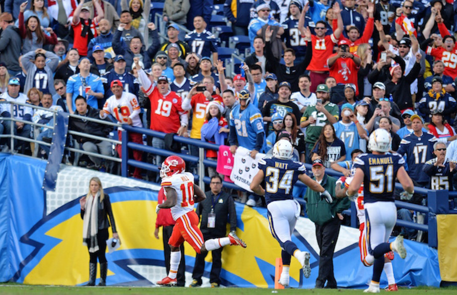 Tyreek Hill returns punt against the San Diego Chargers.