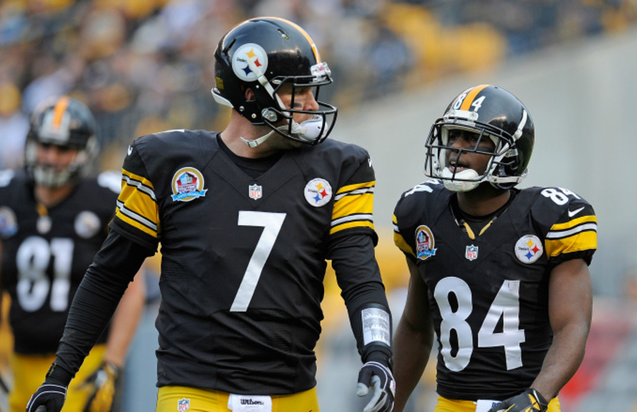 Ben Roethlisberger #7 talks with Antonio Brown #84