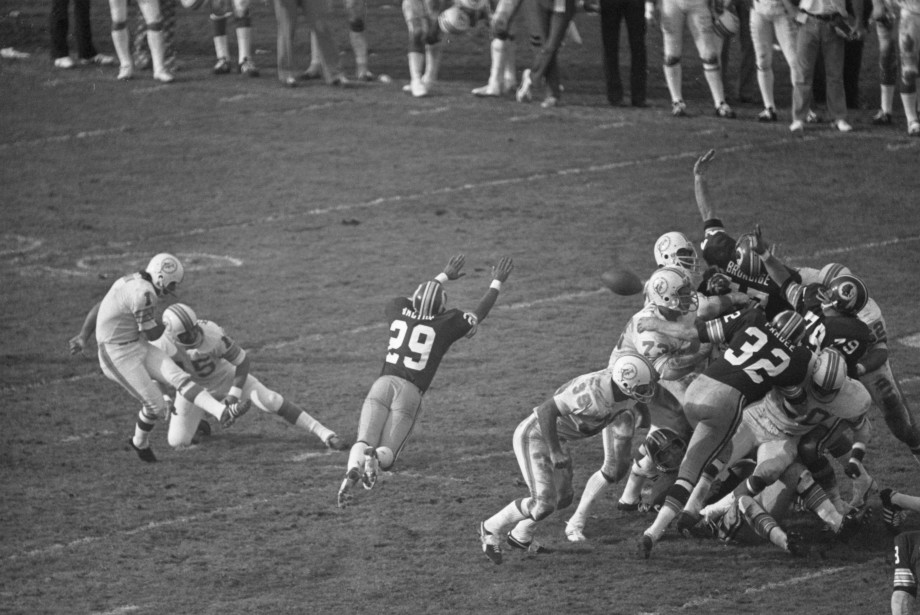 Beginning of a game changing play in Super Bowl VII ending in a touchdown for the Redskins