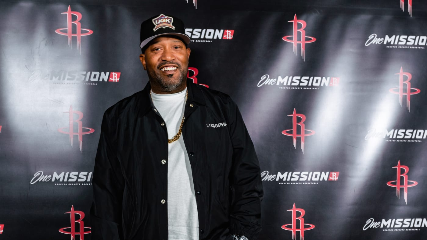 Bun B attends the game between the Houston Rockets and the Oklahoma City Thunder