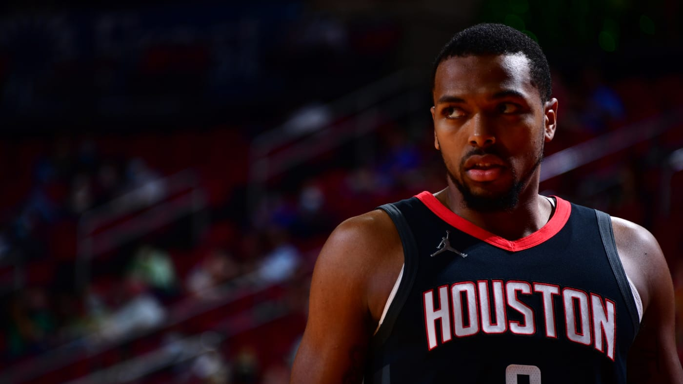 Sterling Brown looks on during the game against the Golden State Warriors.