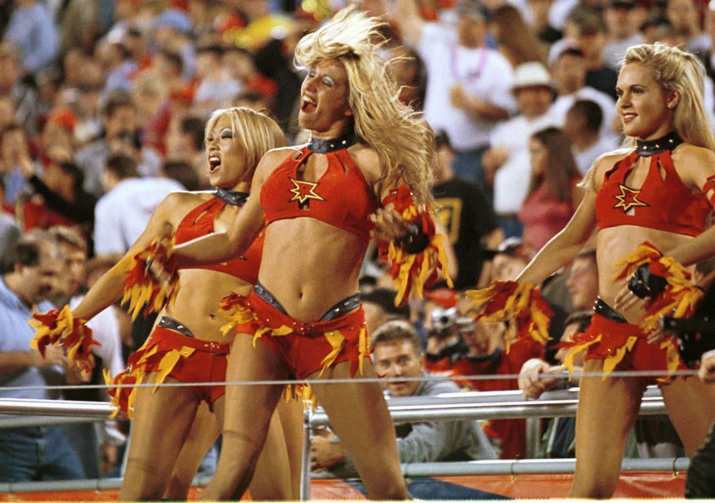 XFL Cheerleaders Rage 2001