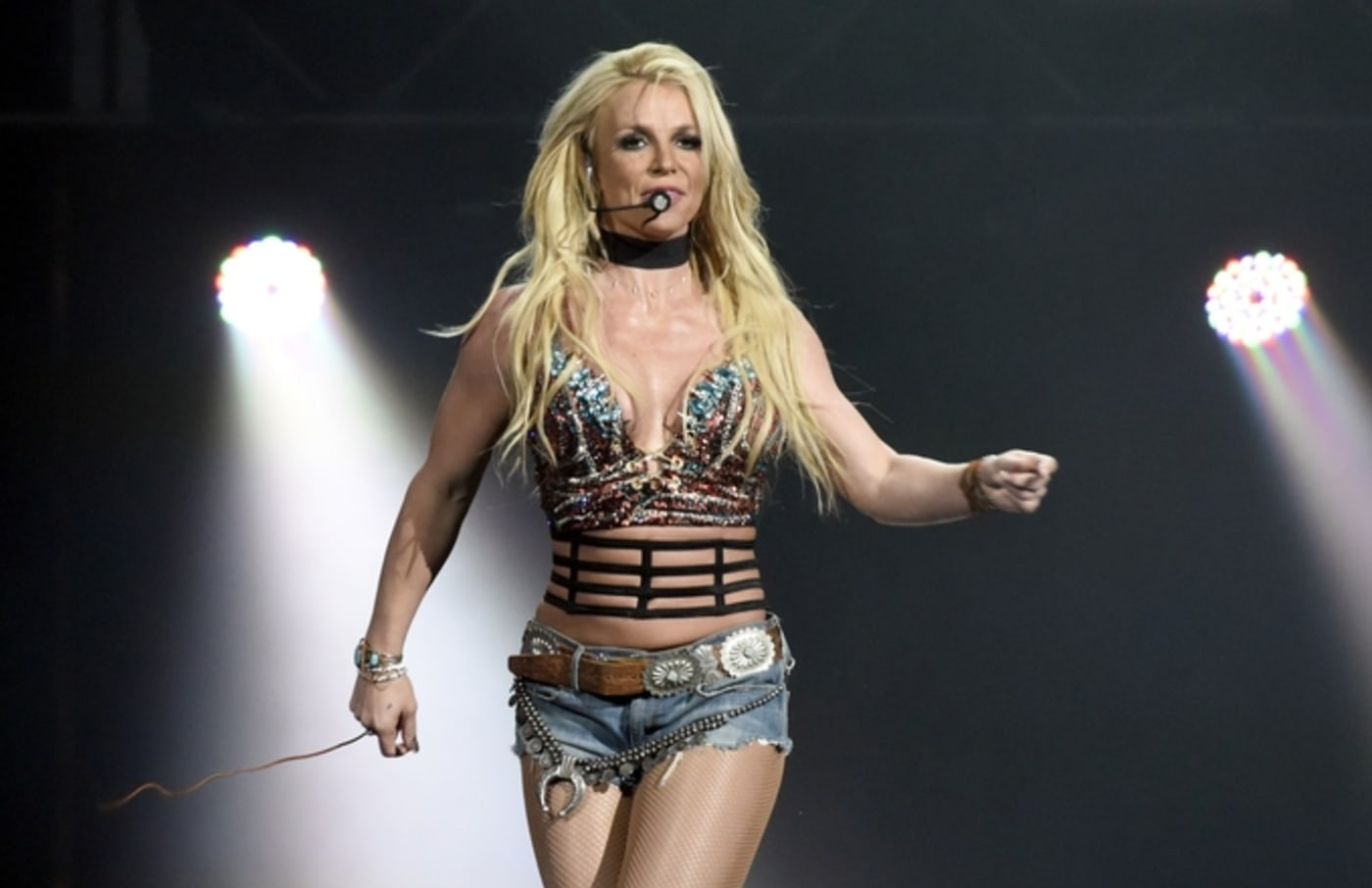 britney spears live performance