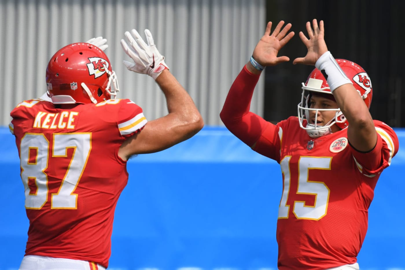 Travis Kelce Patrick Mahomes Chiefs Chargers 2020