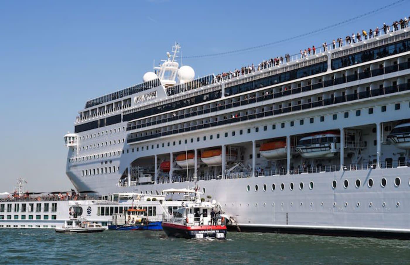 The MSC Opera crashes into Venice dock.