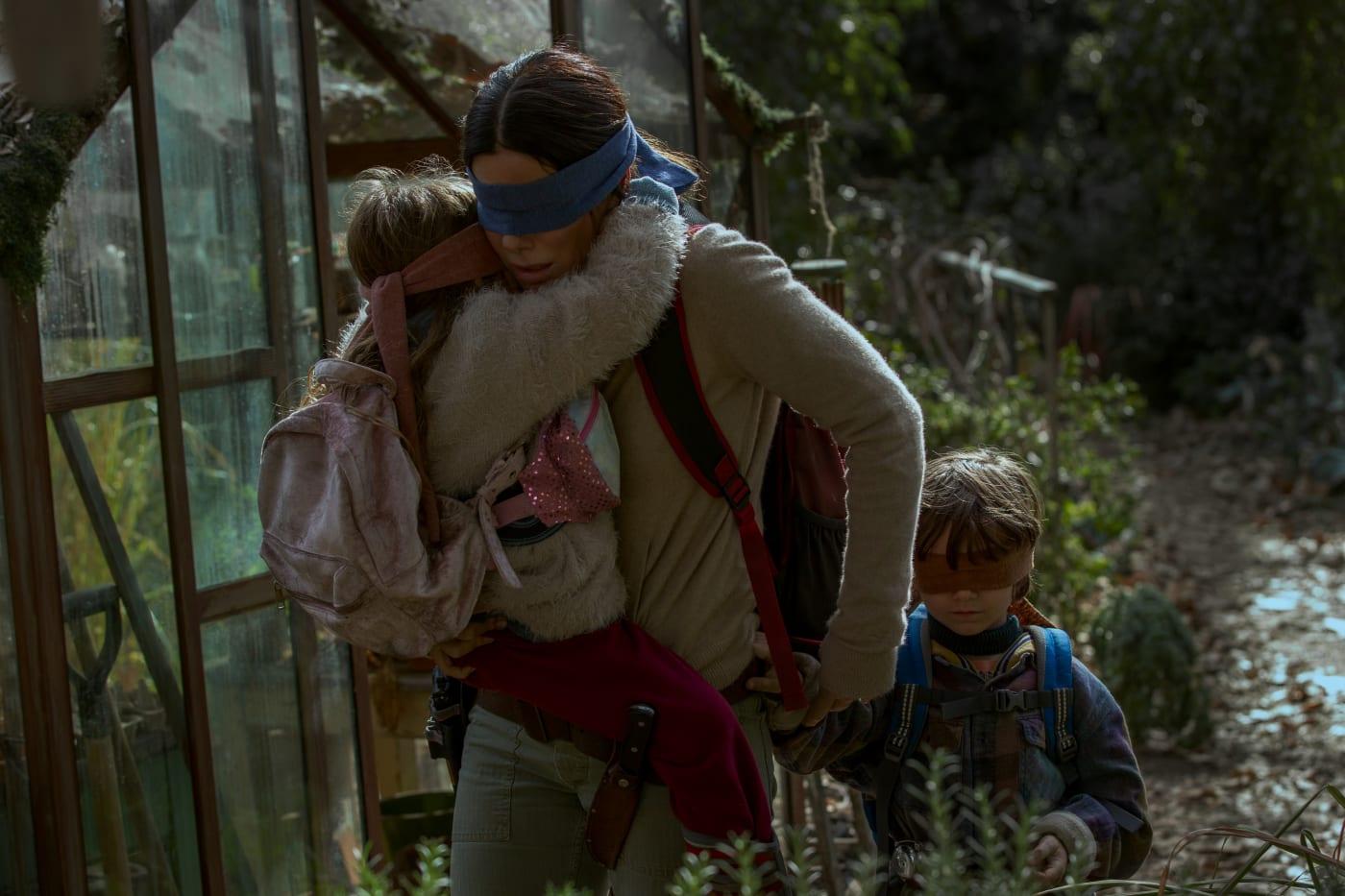 Vivien Lyra Blair, Sandra Bullock, Julian Edwards in Netflix's 'Bird Box'
