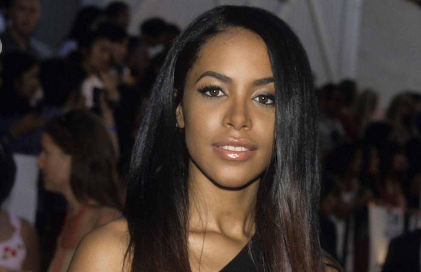 Aaliyah mother