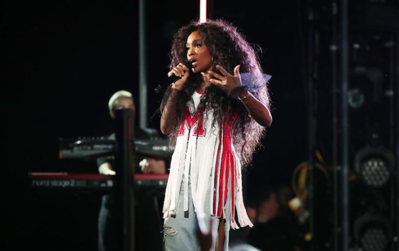 This is a picture of SZA.