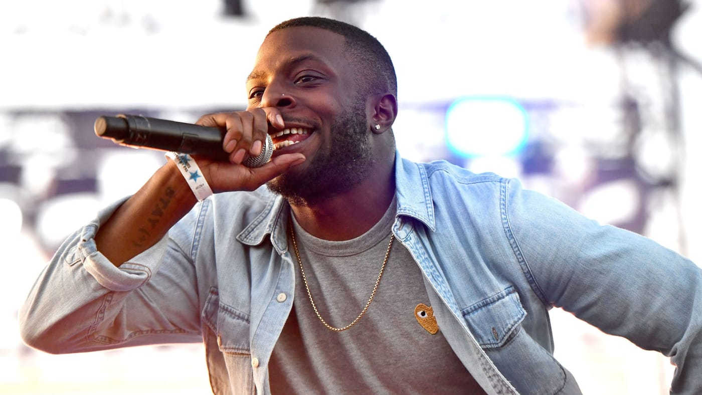 Isaiah Rashad performs onstage during the Smokers Club Festival