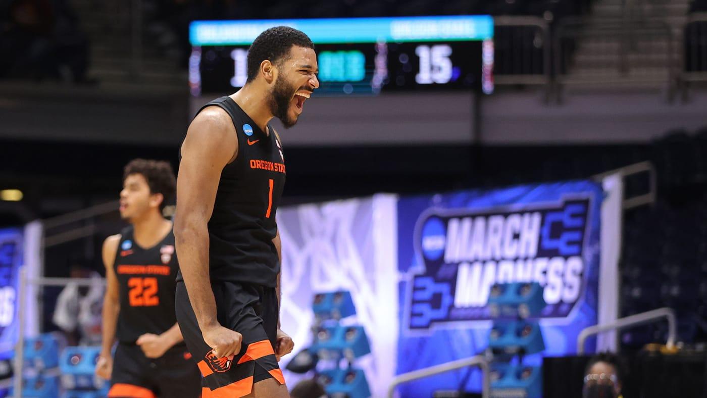 Maurice Calloo of the Oregon State Beavers celebraties three pointer at NCAA Tournament
