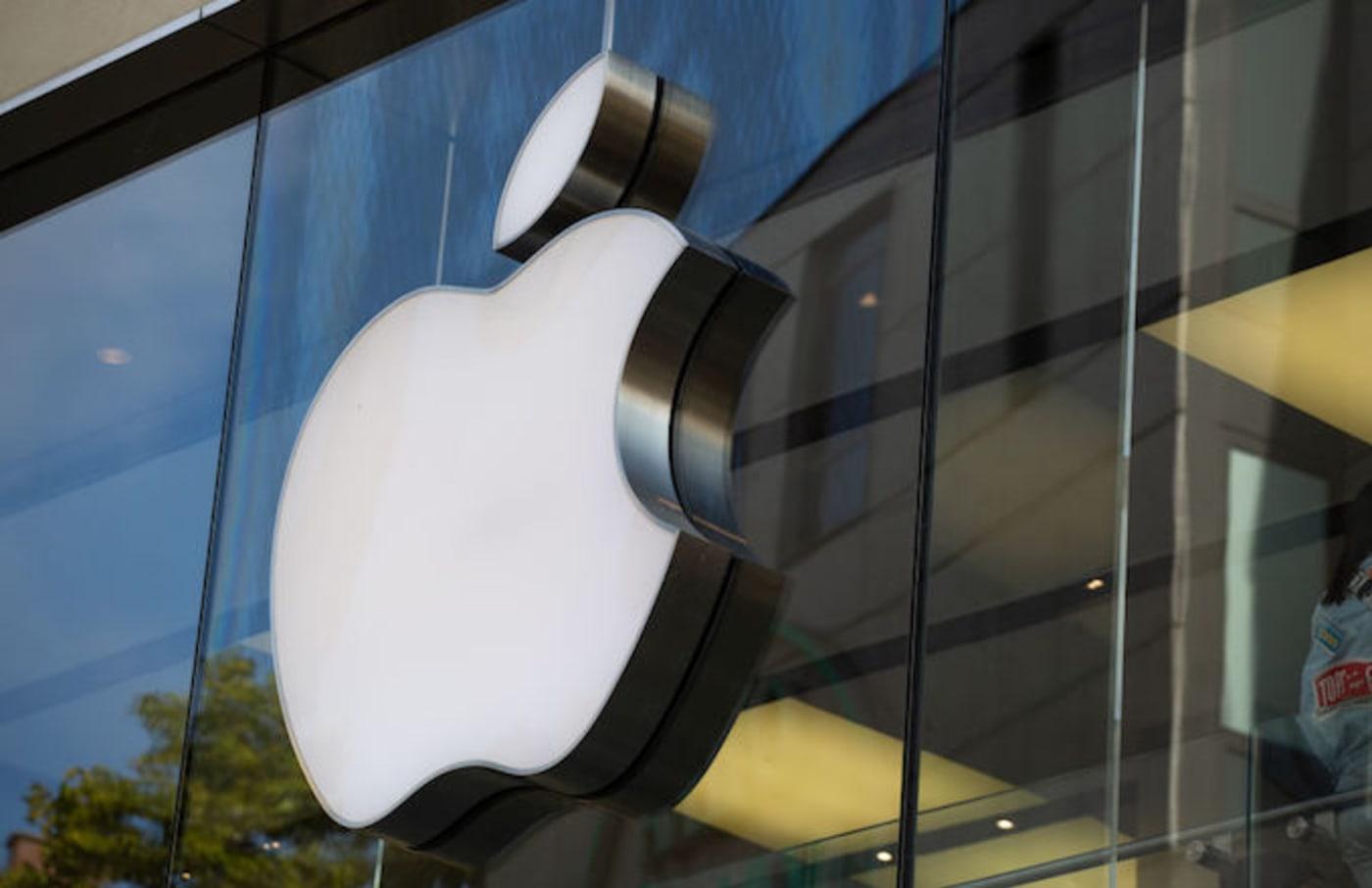 Apple ipad,mac air, and mac mini
