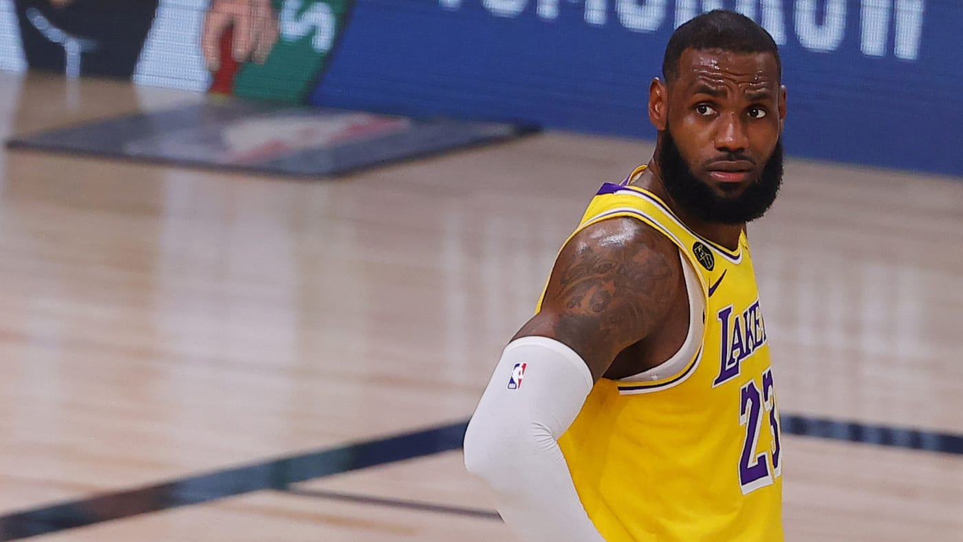 LeBron James #23 of the Los Angeles Lakers looks on