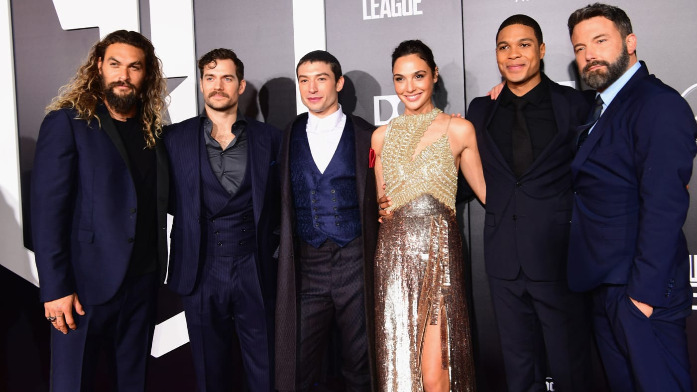 The cast of 'Justice League' lines up for photos on the red carpet.