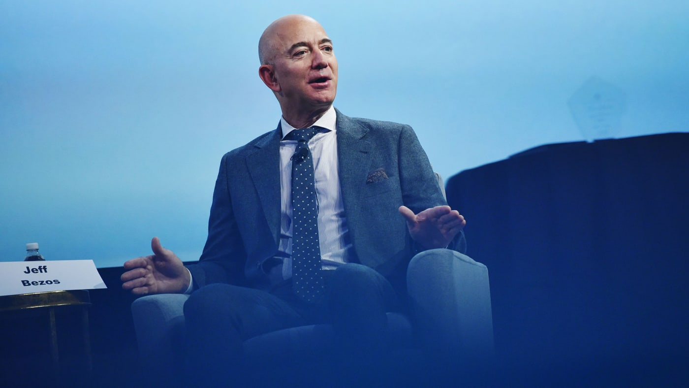 Jeff Bezos, rich man with no drip