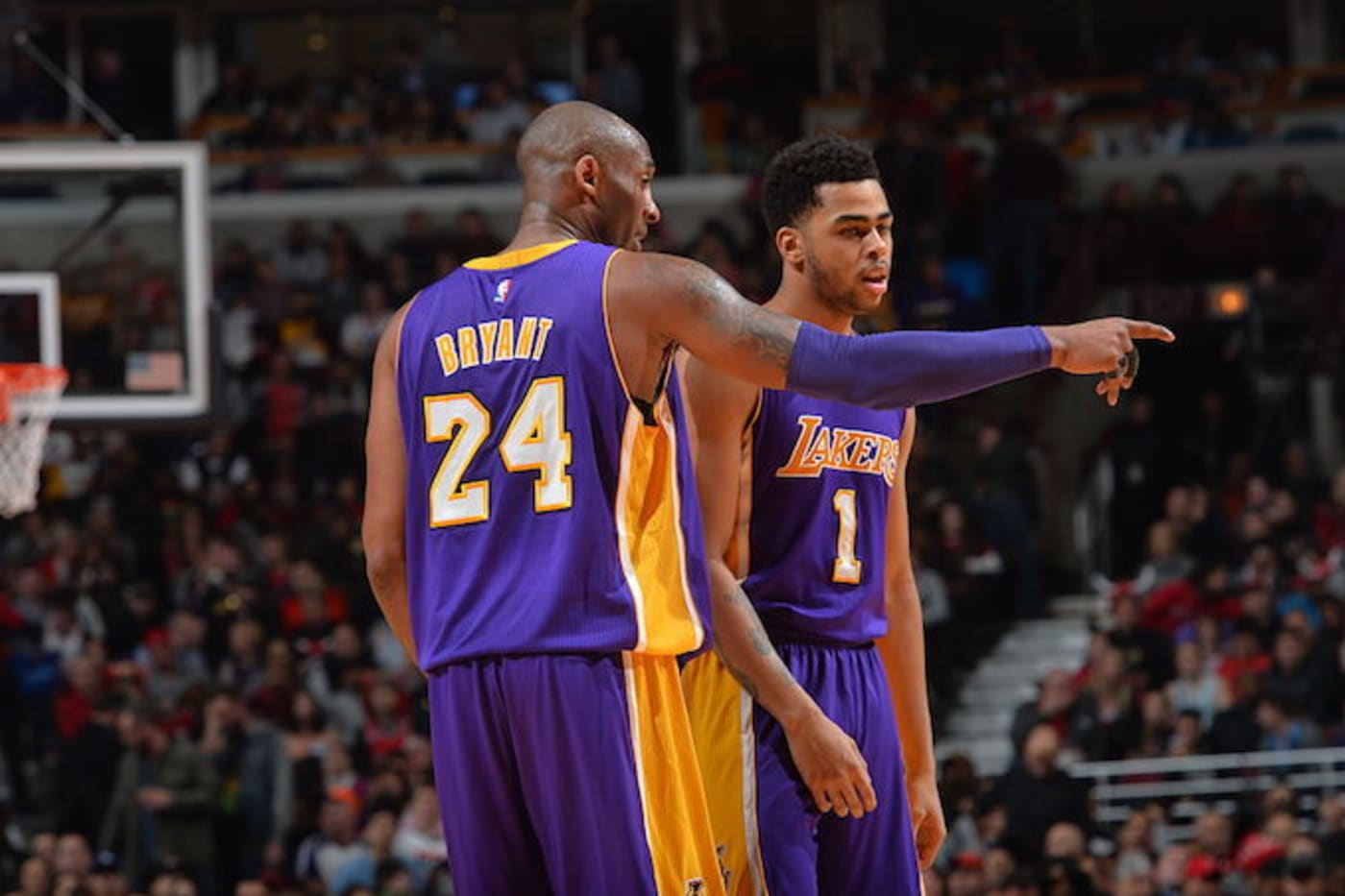 This is a picture of Kobe and D'Angelo.