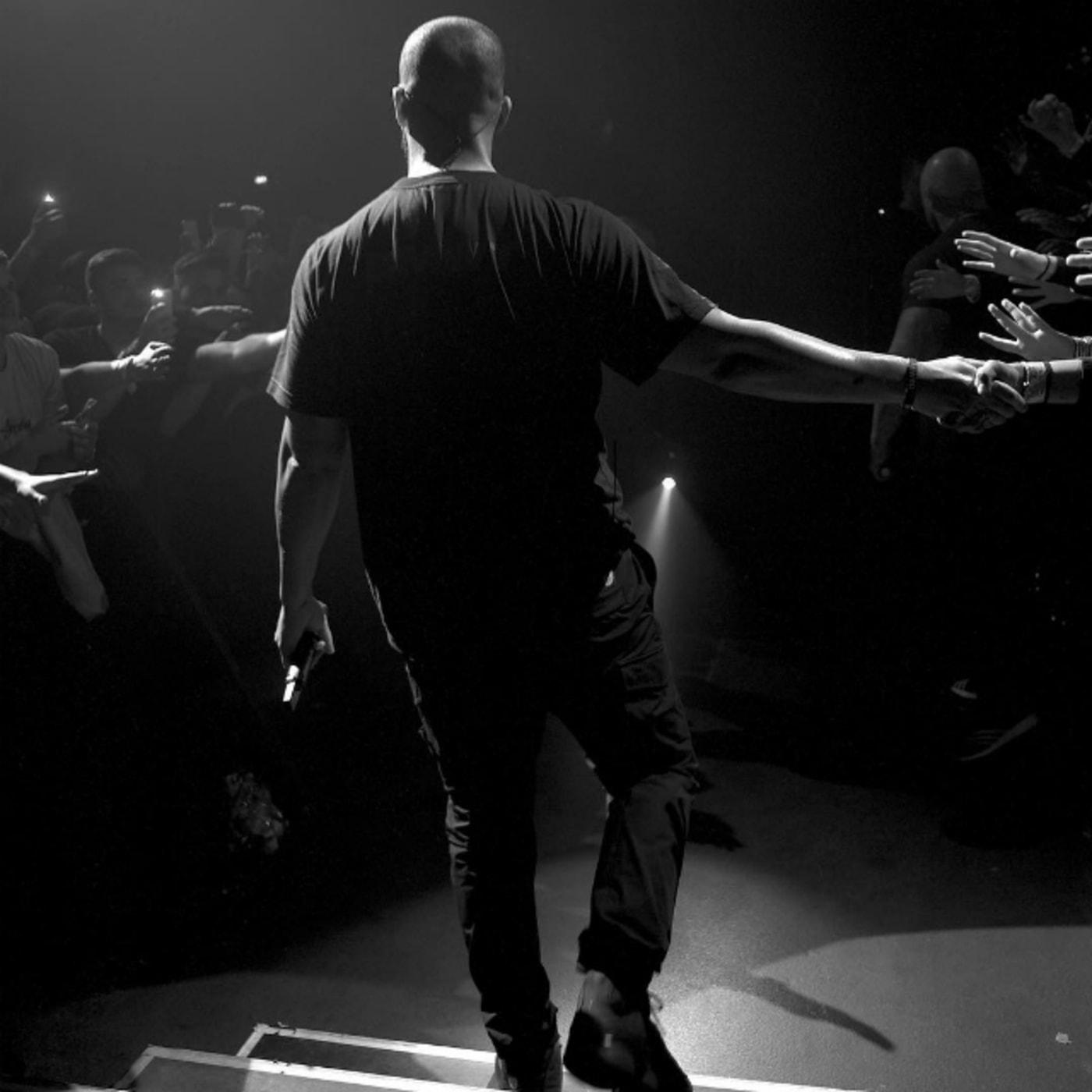 Drake's back