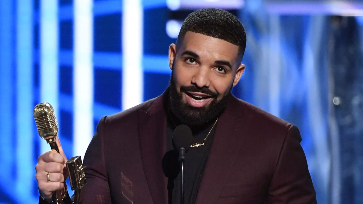Drake accepts the award for Top Artist
