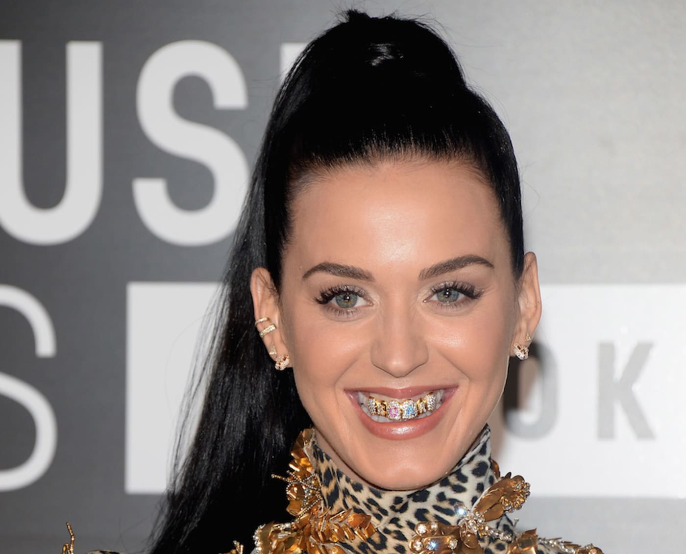 Katy Perry Grills