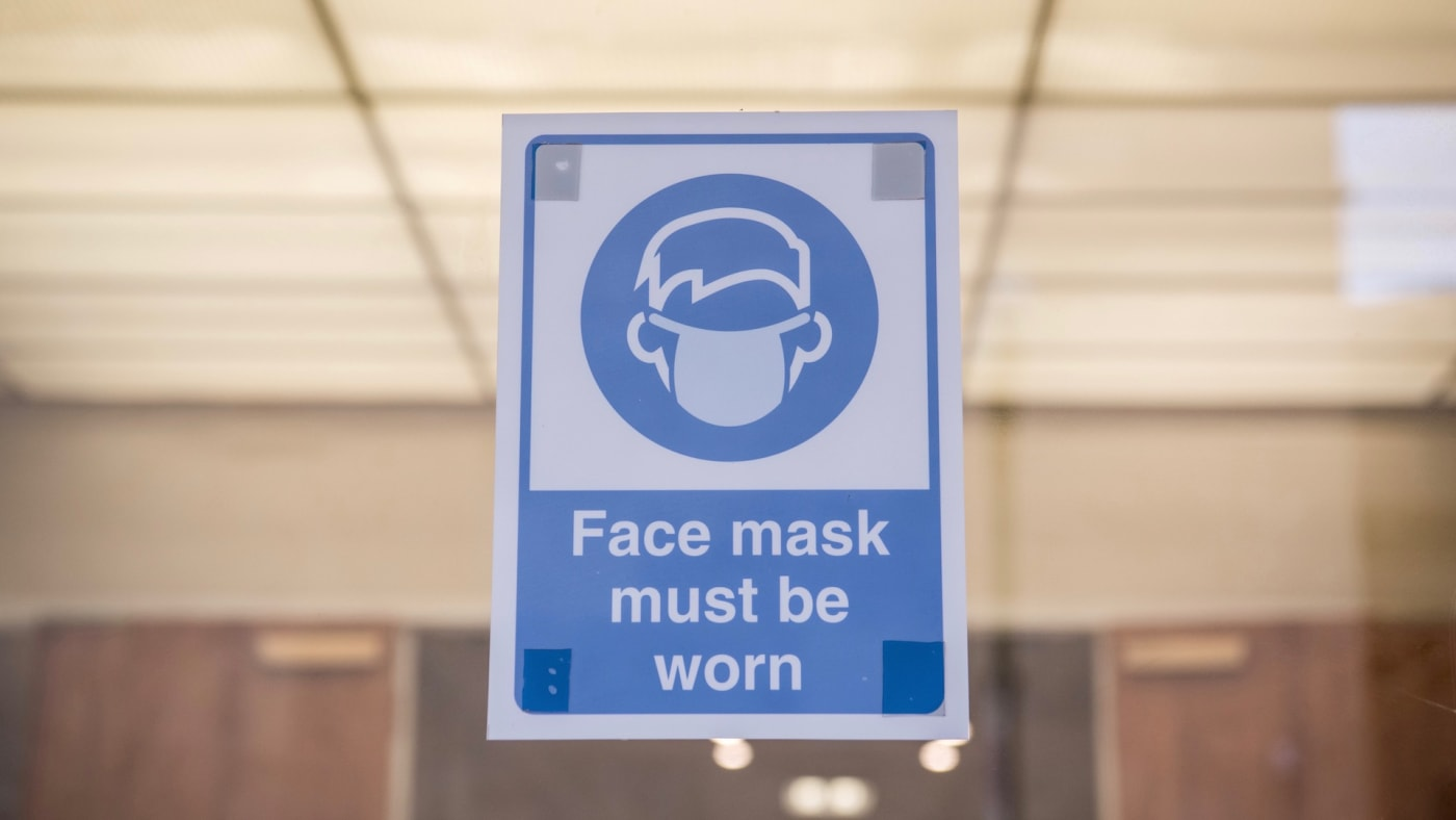 Face mask sign