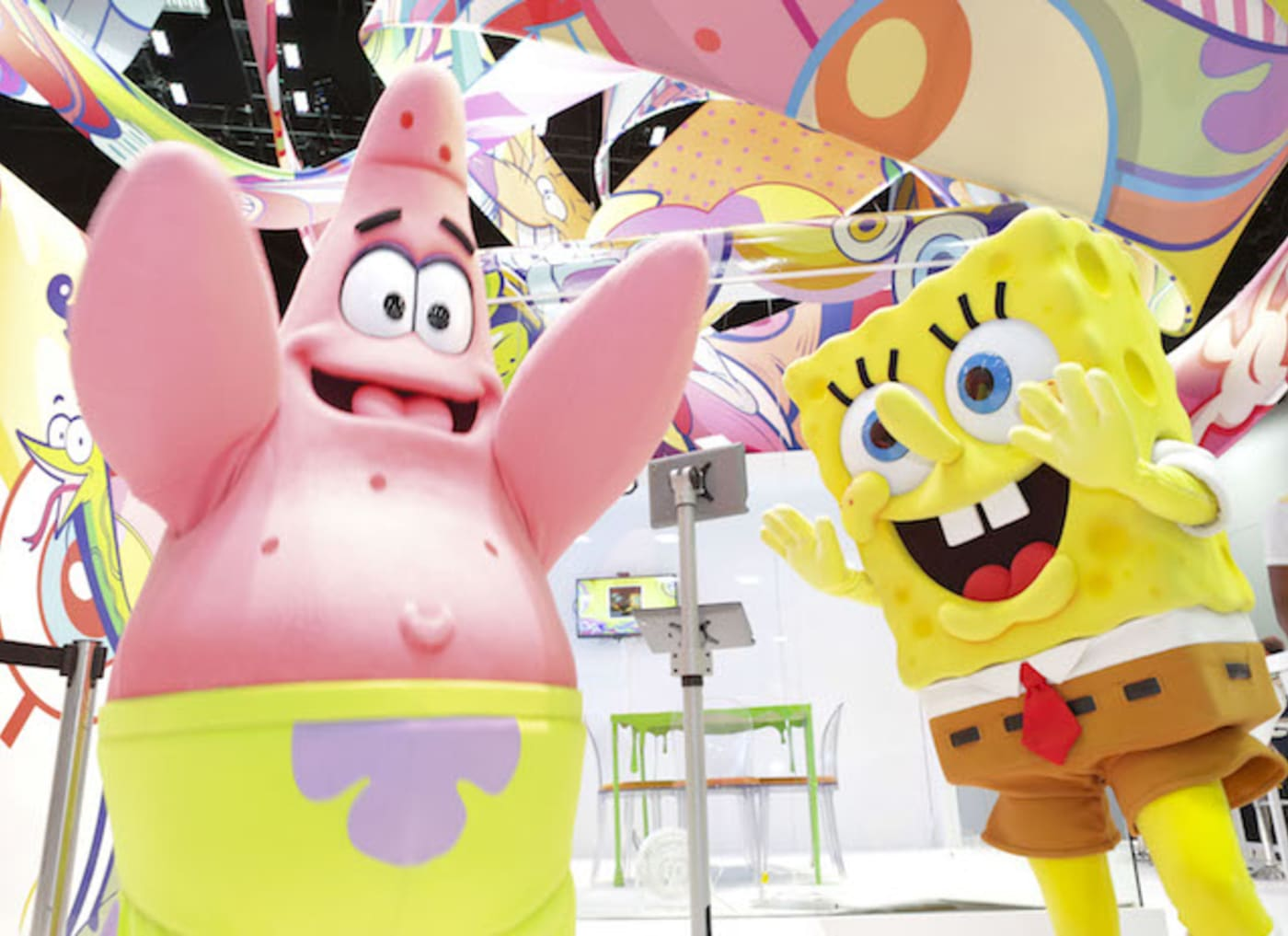 This is a picture of Patrick and Spongebob.