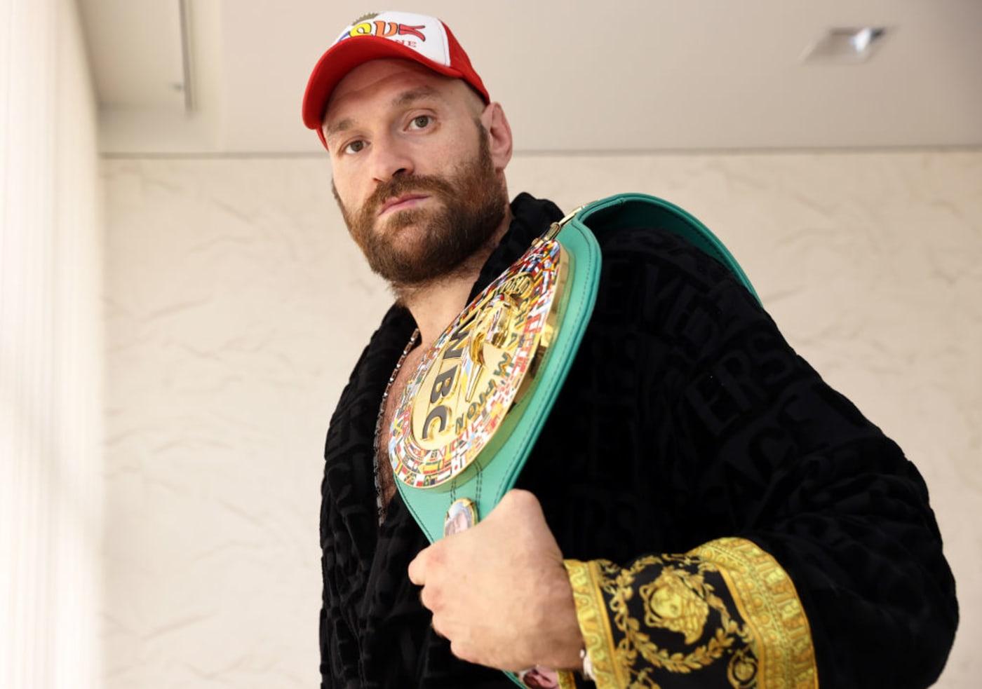 Tyson Fury Robe WBC Belt 2021