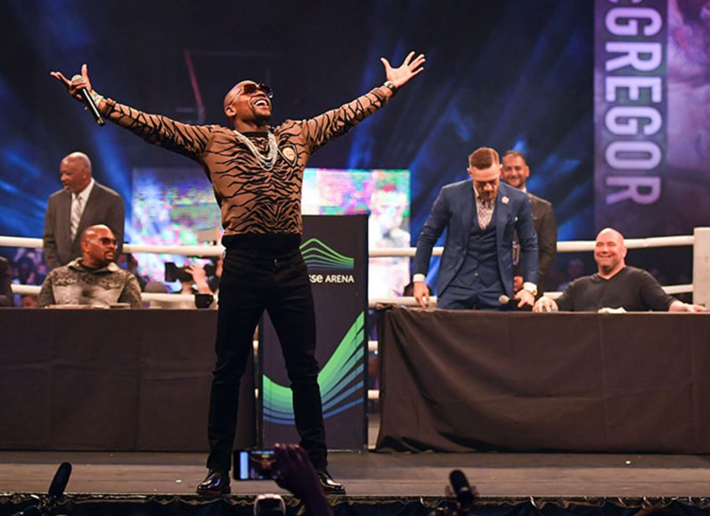 floyd mayweather gloating at press conference