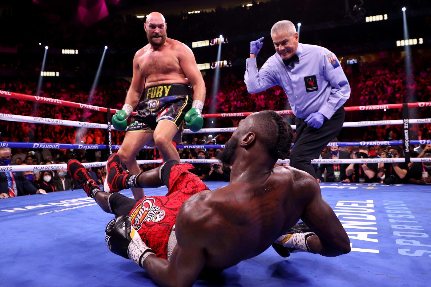 Tyson Fury Deontay Wilder Oct 2021 3rd Round