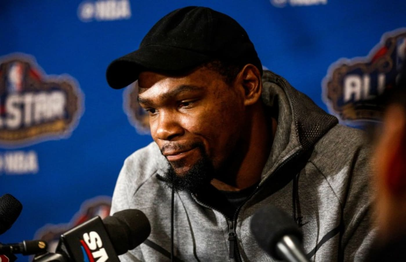 Kevin Durant answers questions at 2017 NBA All Star Weekend.