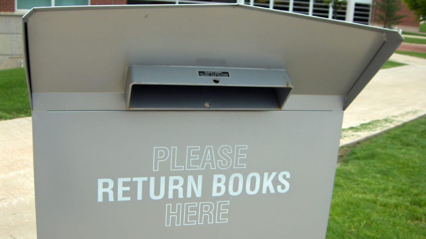 Book return slot
