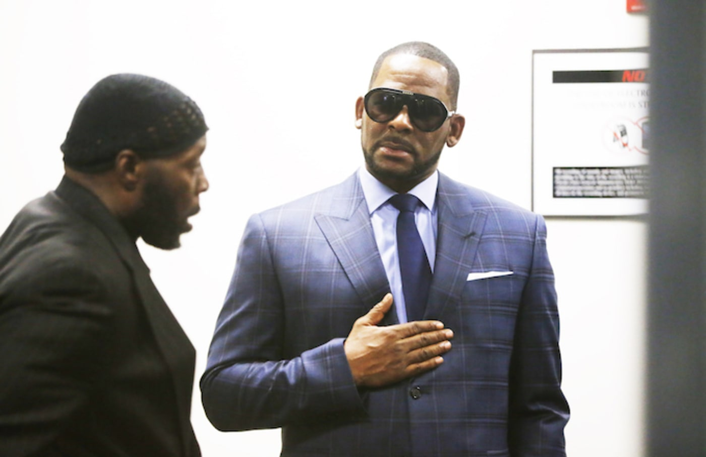 R. Kelly arrives at the Daley Center for his hearing on March 6, 2019 in Chicago, Illinois.