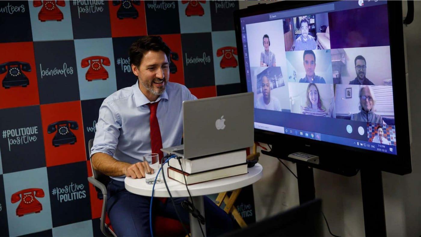Justin Trudeau uses fake MacBook