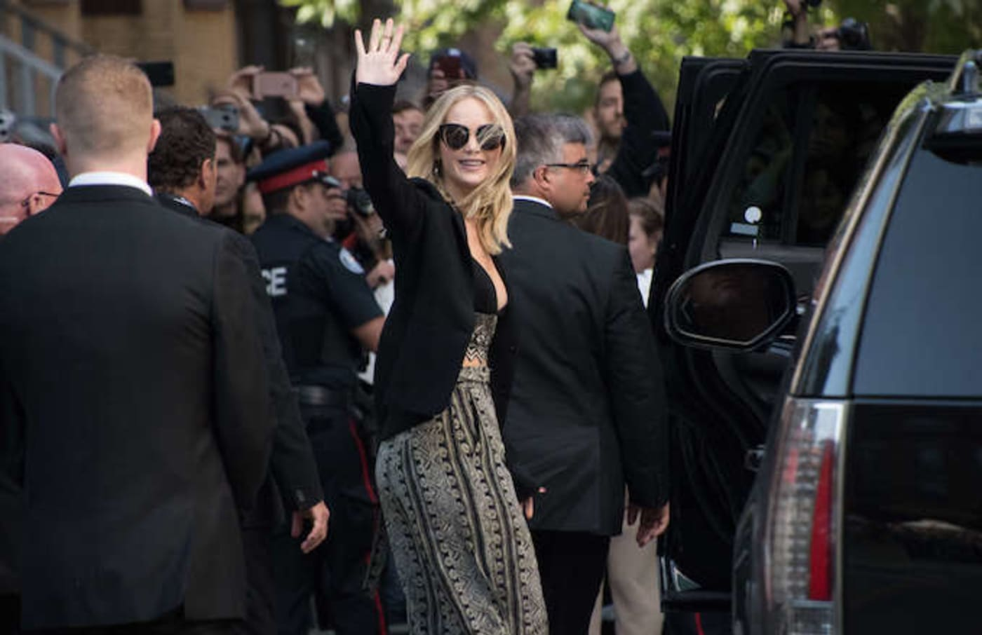 Jennifer Lawrence waving