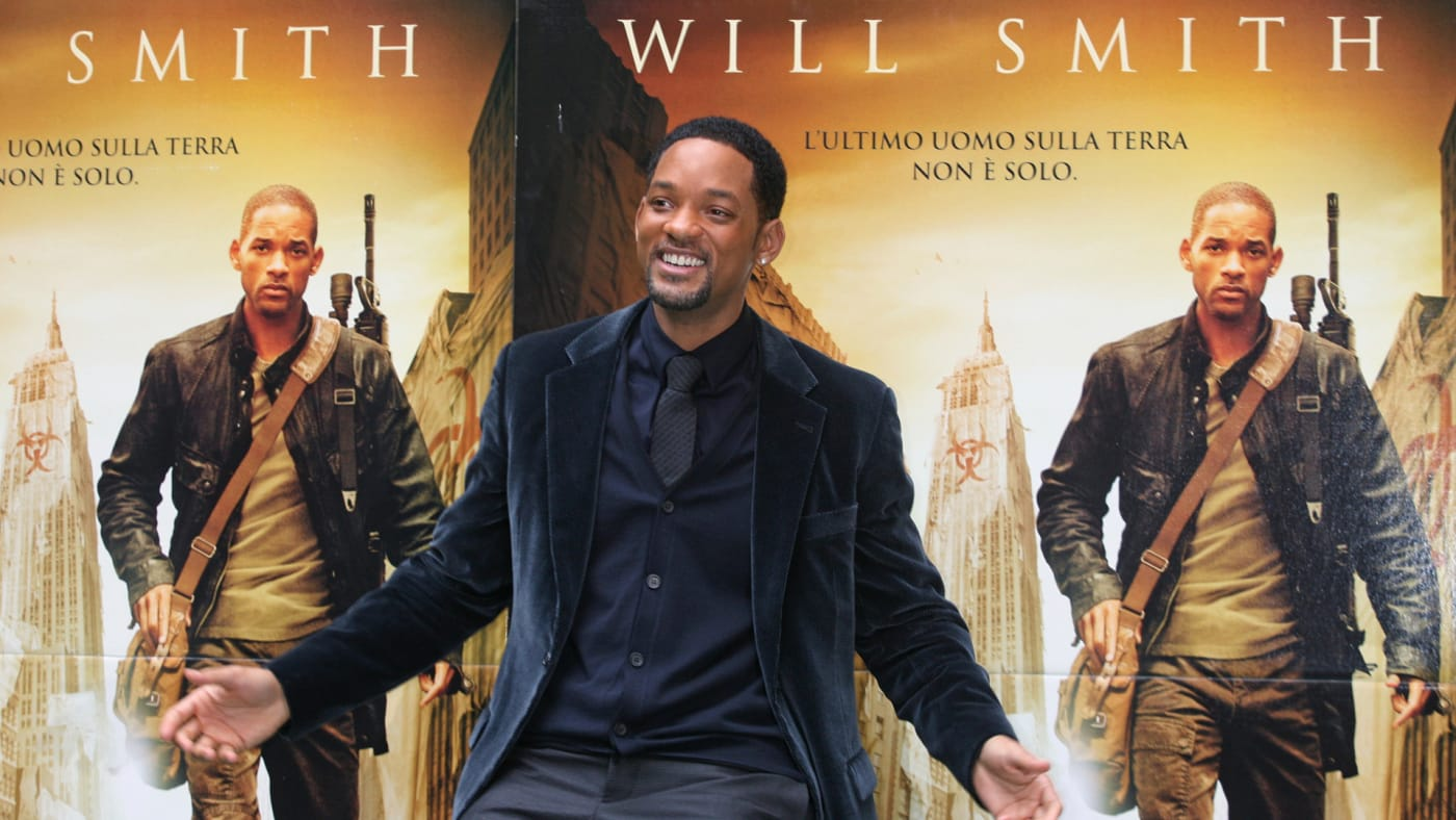 Will Smith attends the 'I Am Legend' photocall at the Hassler Hotel.