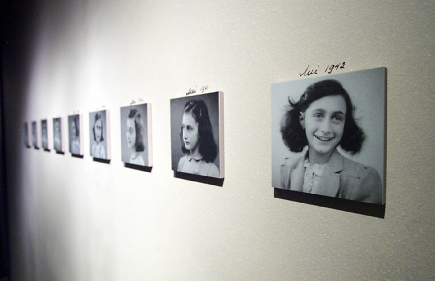 anne frank art exhibit